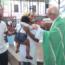 Batizado de filho de ex-morador de rua que se tornou médico