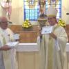 Dom Luiz homenageia o Pe. Julio e recebe presentes no dia de São Miguel