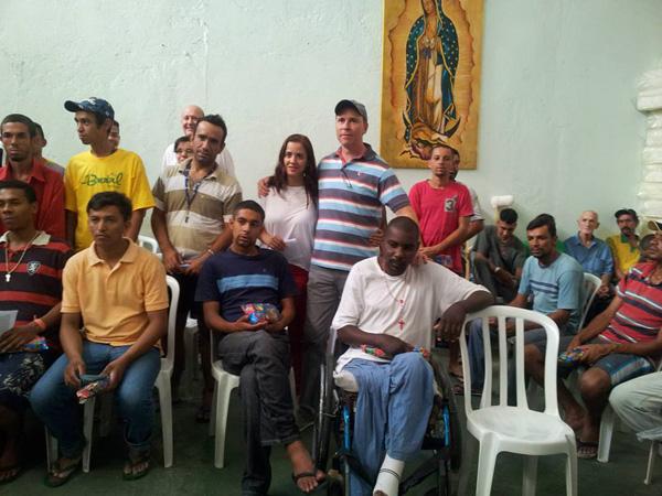 Jovens fazem ação solidária nas Casas da Missão Belém