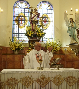 Celebração presidida pelo Pe. Júlio Lancellotti