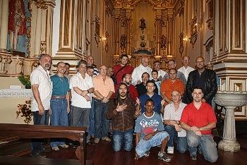 Grupo do Terço dos homens na Igreja N. S. da Boa Morte